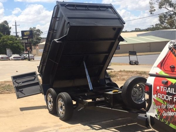 8 x 5 Dual Axle hydraulic tipper trailer